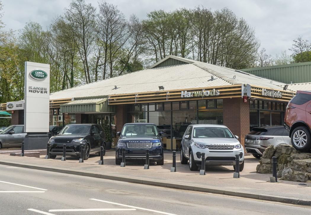 20 06 01 Land Rover Pulborough